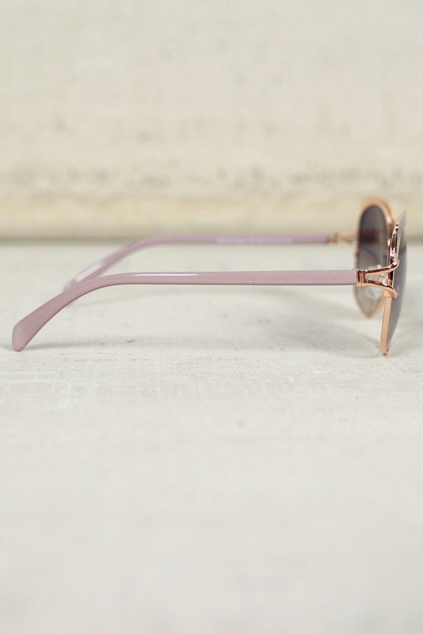 Chic Weekend Sunnies in Lilac Grey