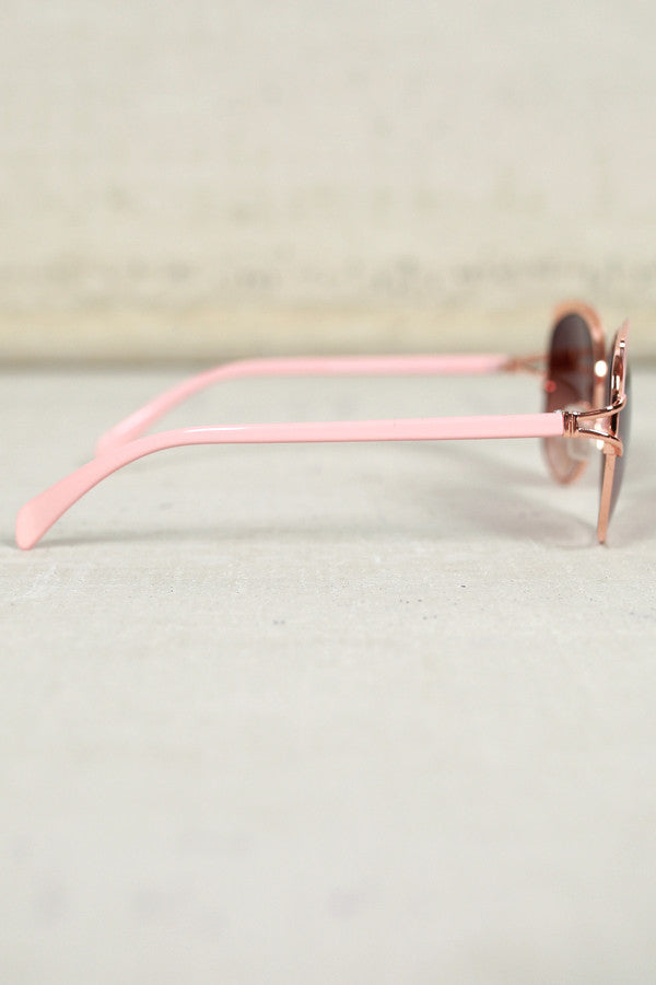 Chic Weekend Sunnies in Pink