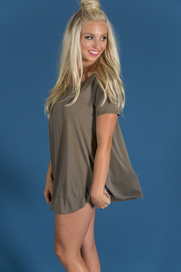 Chasing The Weekend Tee in Olive