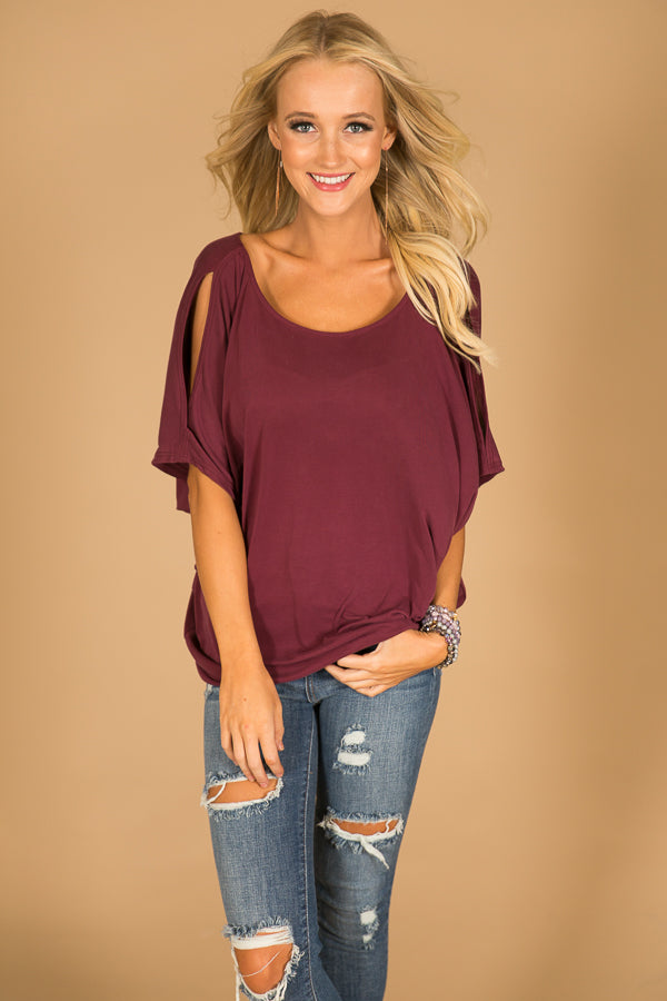 Casual Sweetheart Cold Shoulder Top In Merlot