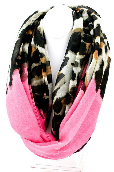Beachy Breeze Scarf in Fuchsia