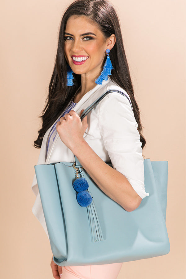 Feeling First Class Tote Bag In Airy Blue