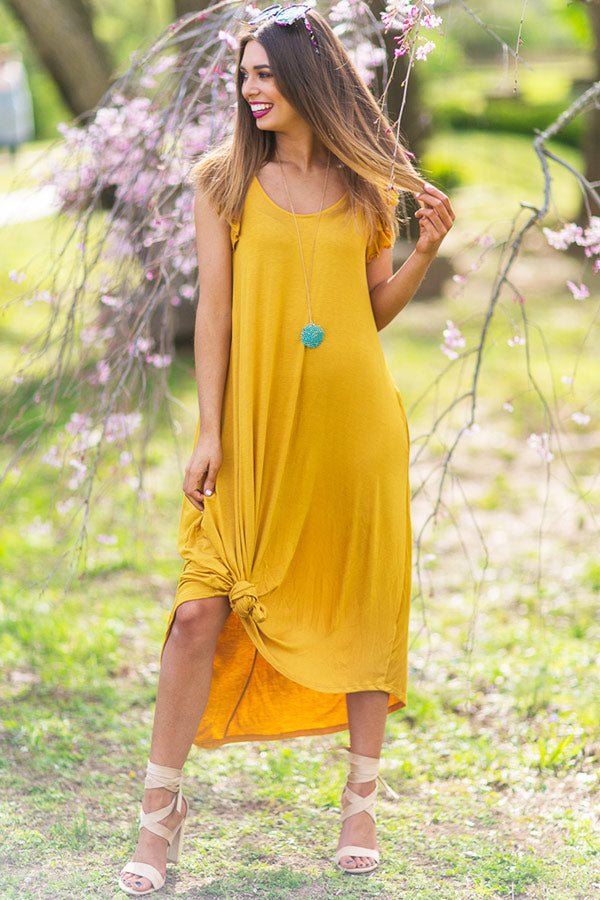 Beachside T-shirt Midi in Mustard