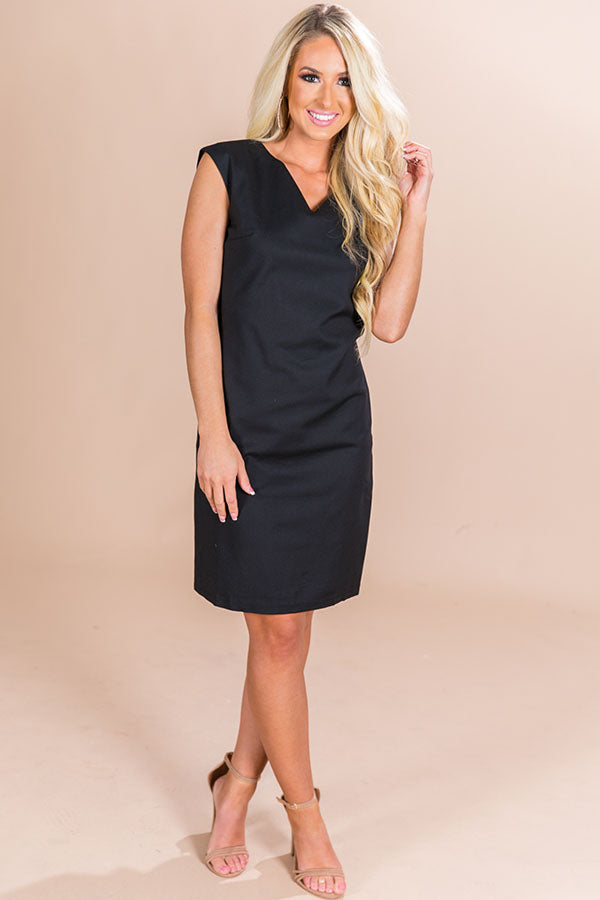Soiree Sipping Dress in Black