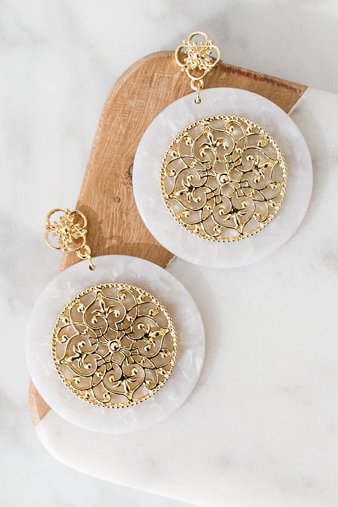 Brunch And Bubbly Earrings In White