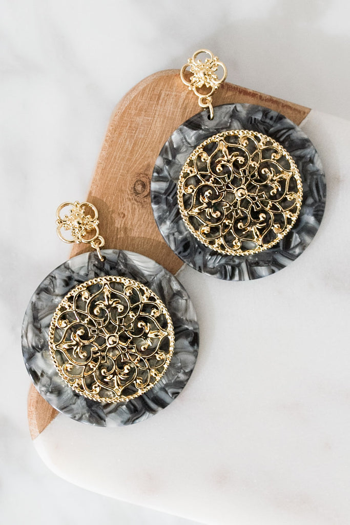 Brunch And Bubbly Earrings In Black