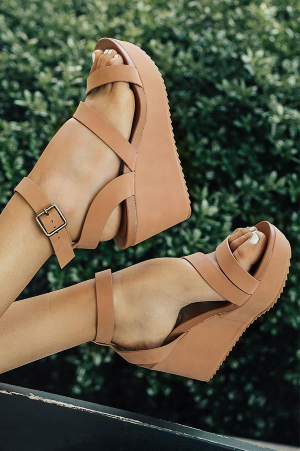 The Emerson Wedge in Tan