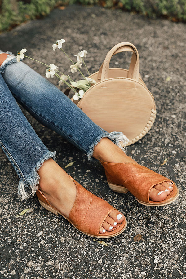 The Drew Flat in Tan