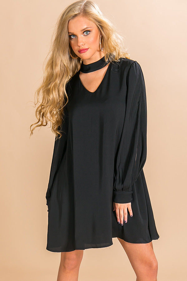 Breckenridge Beauty Shift Dress In Black