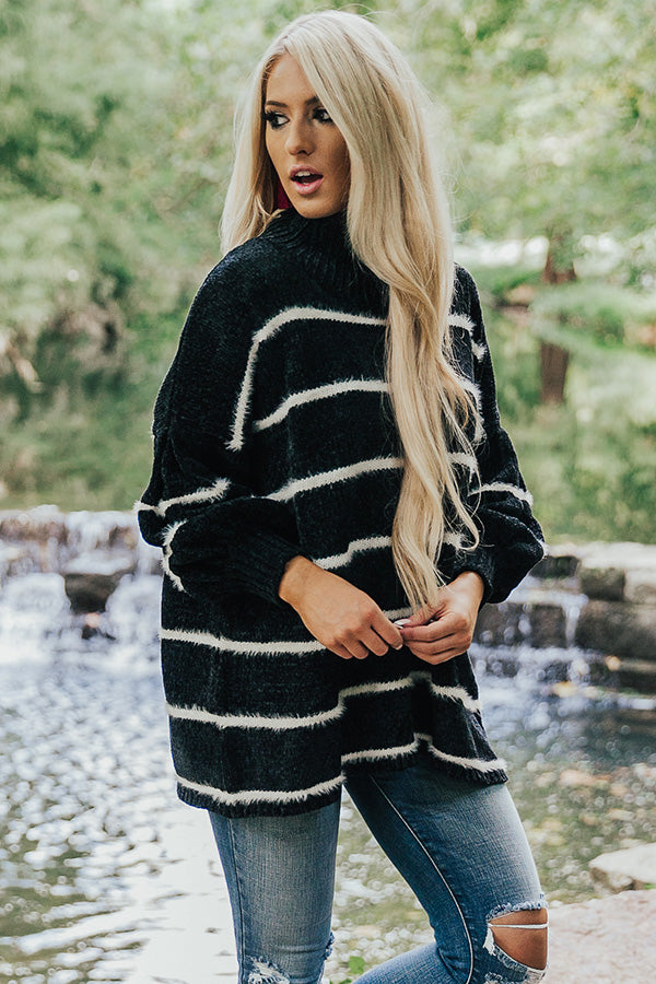 Chicago Cuddles Chenille Sweater In Black