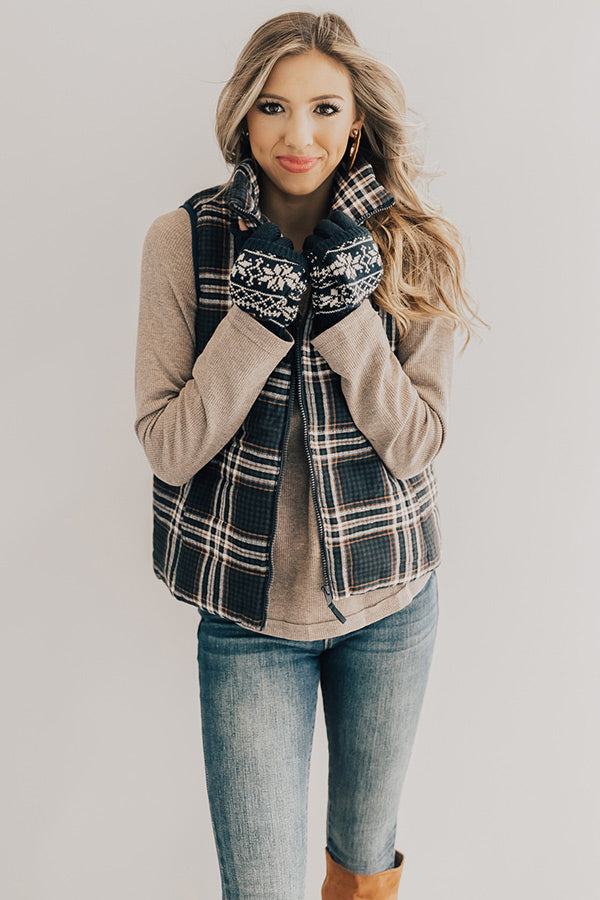 Mountain Valley Plaid Vest in Navy