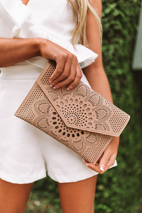 Hey, Bombshell Clutch