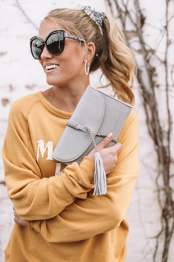 Viva Vacay Clutch in Grey