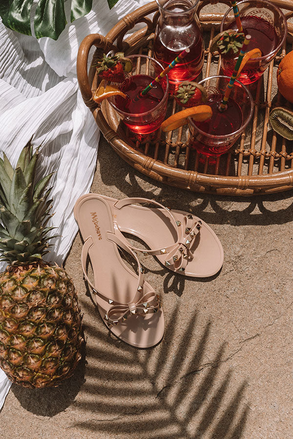 The Cecily Jelly Sandal In Iced Latte