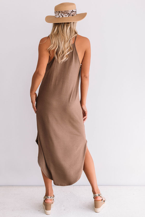 Coasts And Cocktails T-Shirt Midi in Brown