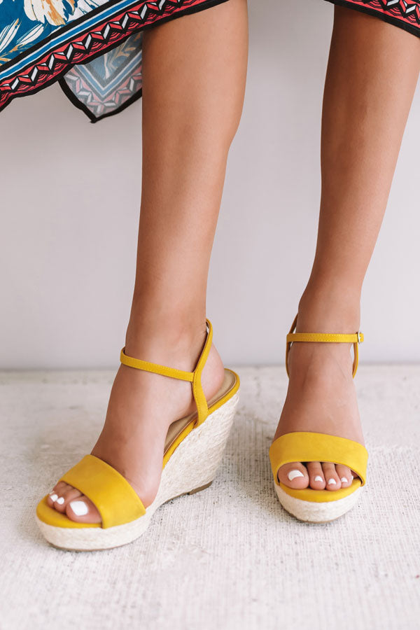 The Kinsley Wedge in Marigold