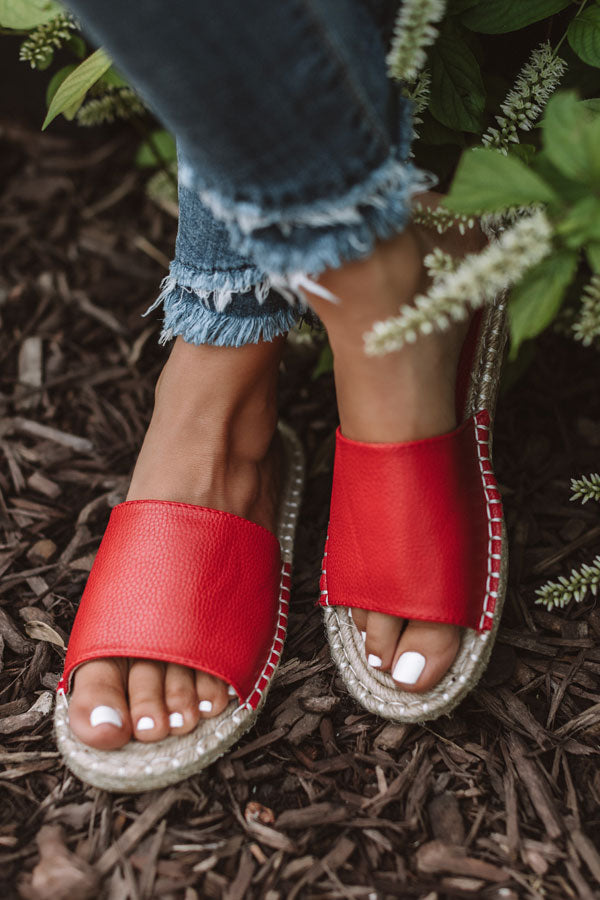 The Lyndley Faux Leather Sandal In Red