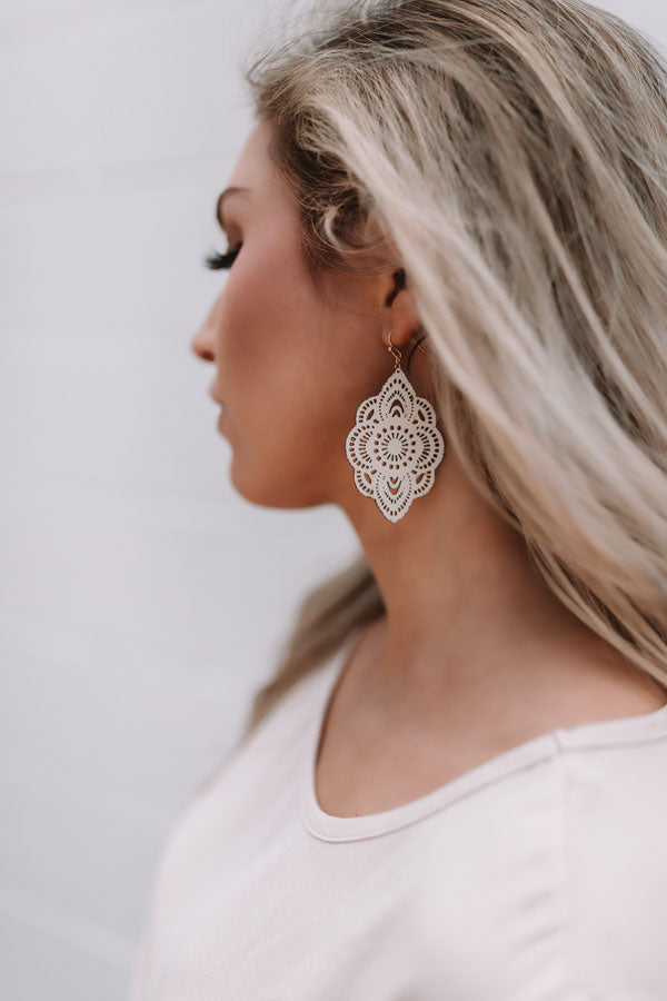 Coastal Crush Earrings In Cream