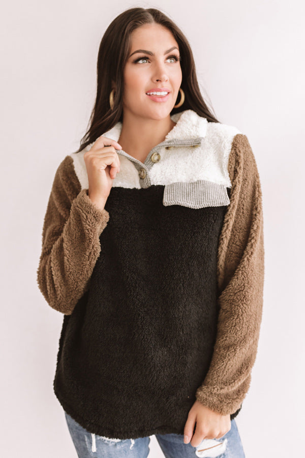 Bundled For The Bonfire Sherpa Pullover In Black