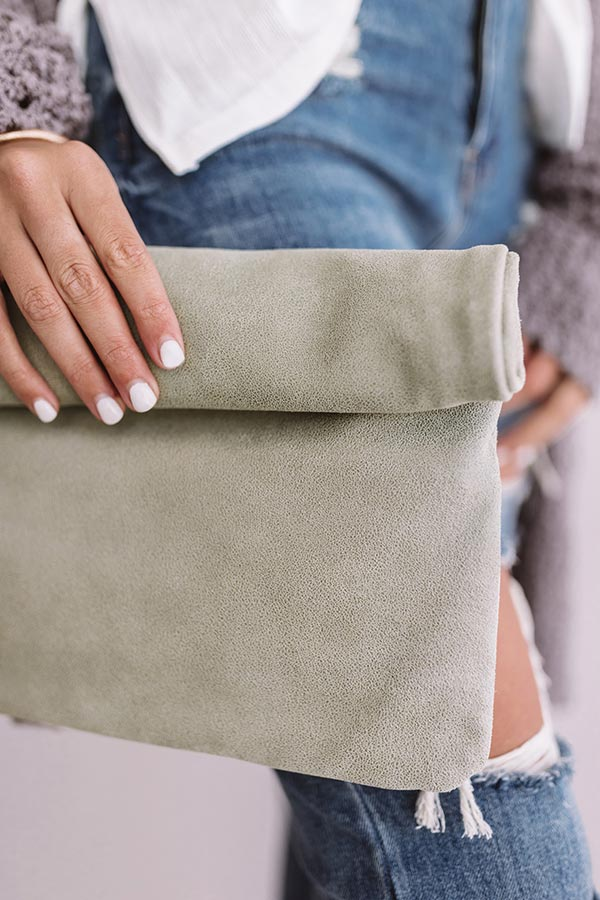 Pier Party Clutch In Pear