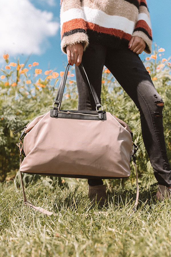 Breckenridge Vacay Weekend Tote In Taupe