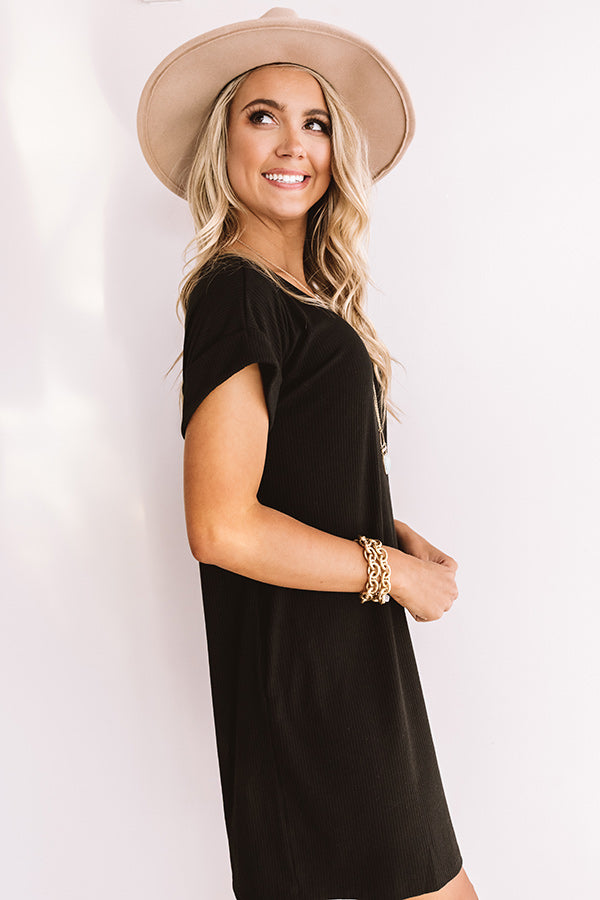 Chic Sway Shift Dress In Black