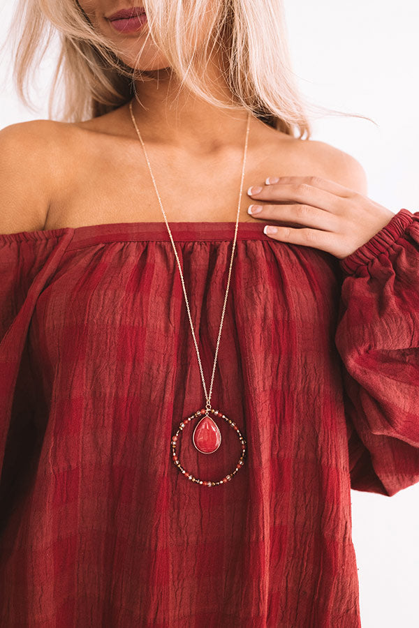 Social Debut Necklace In Crimson