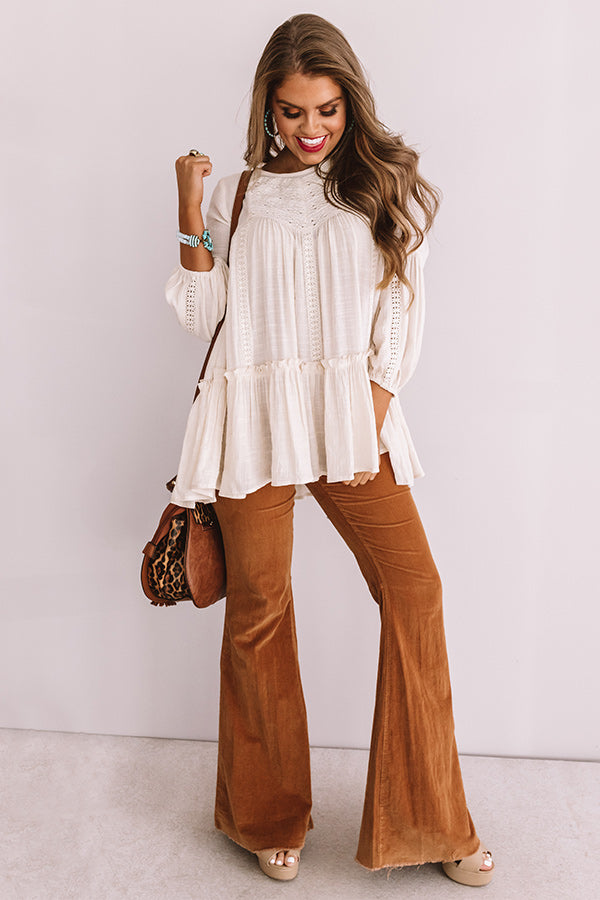 Chai And Kisses Shift Top in Cream