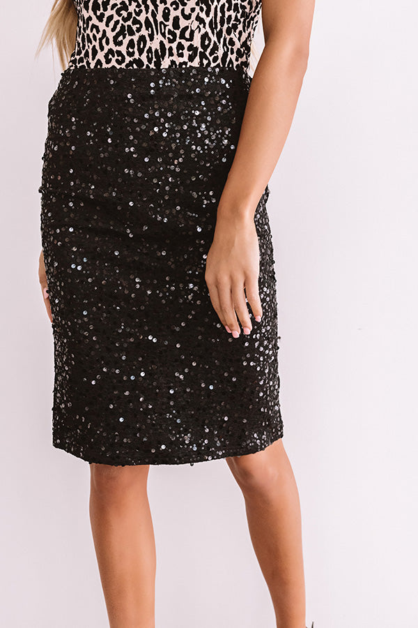 Dramatic Effect Sequin Pencil Skirt in Black