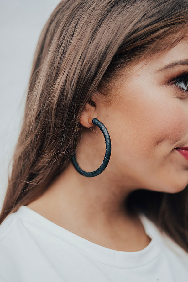 Cute And Cordial Hoop Earrings In Black