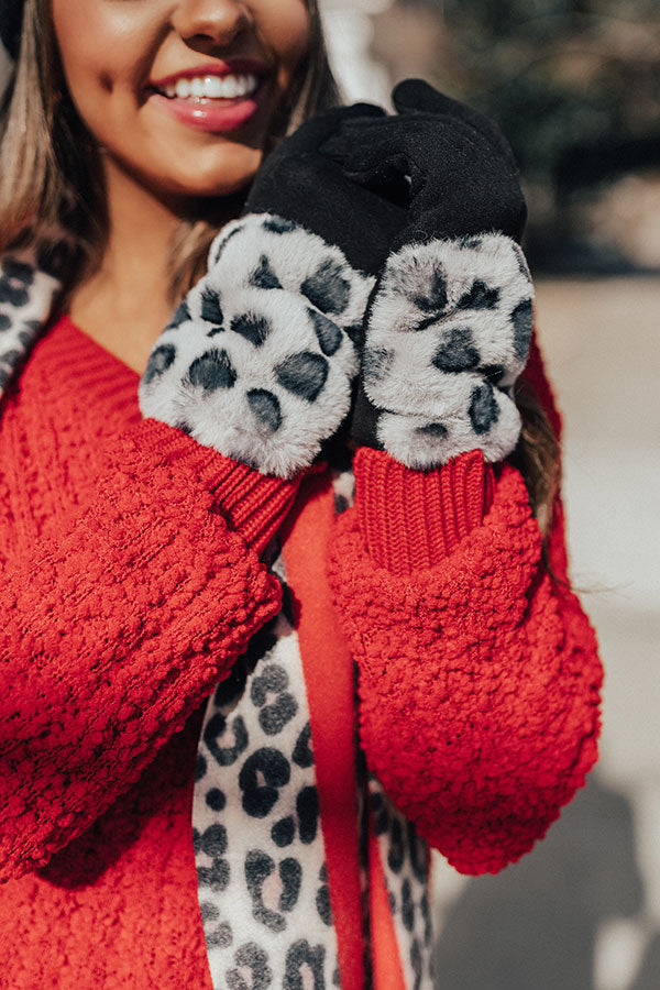 London Snowfall Smart Touch Leopard Gloves In Grey