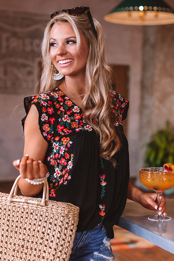 Resort To This Embroidered Shift Top In Black