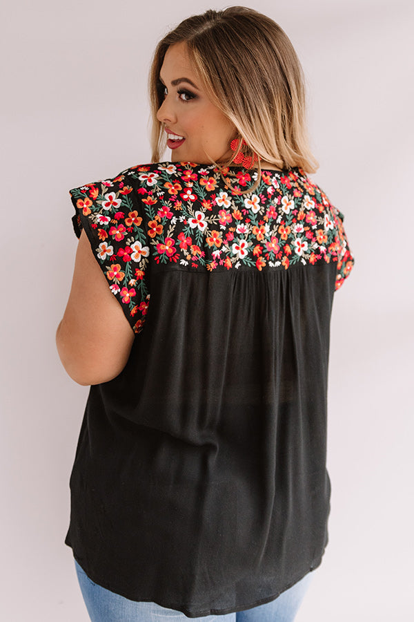 Resort To This Embroidered Shift Top