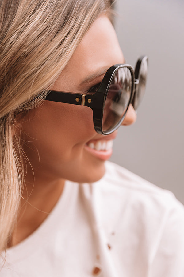 Upside Chic Sunnies In Black With Ombre Lens