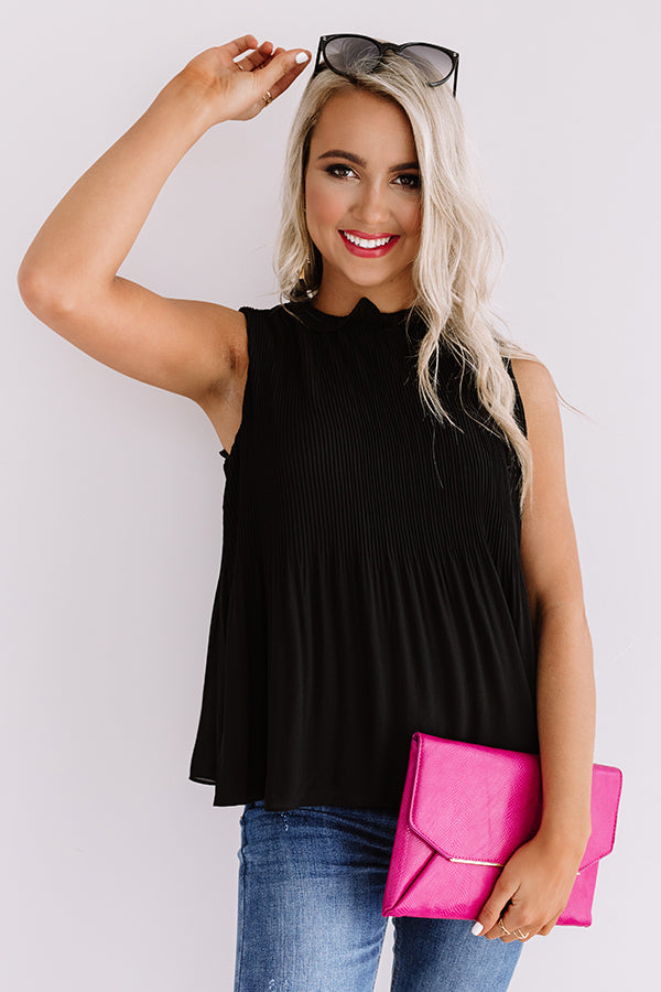Chic Showstopper Pleated Top In Black