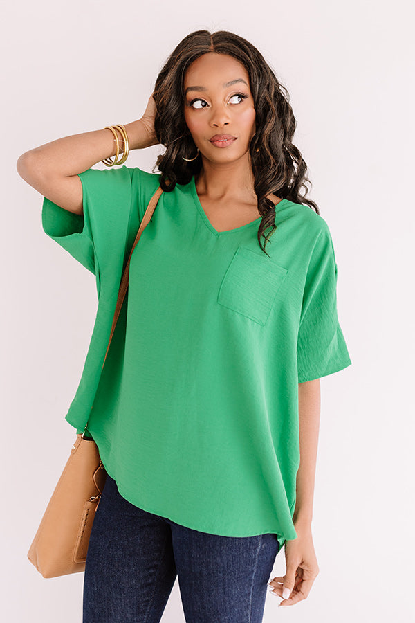 Weekend Picnic Shift Top in Kelly Green