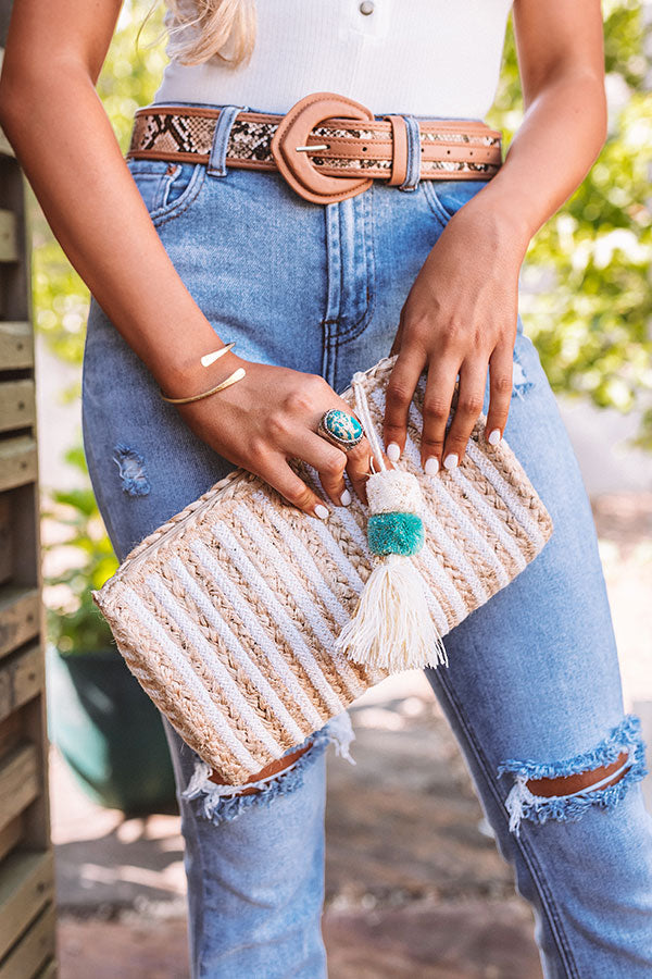 Chic Lifestyle Woven Clutch In White