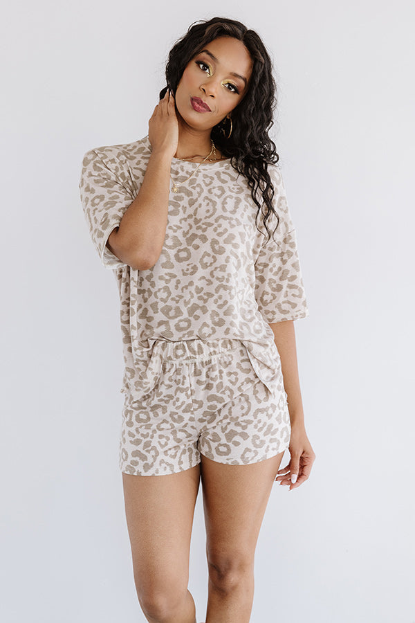 Dreamy Babe Leopard Tee in Warm Taupe