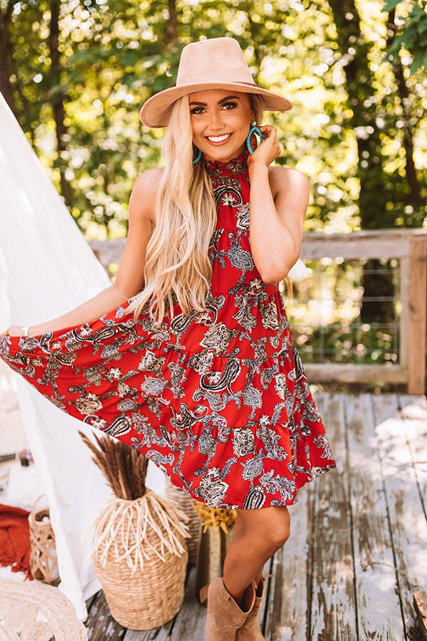 Serene Stay Paisley Dress In Scarlet
