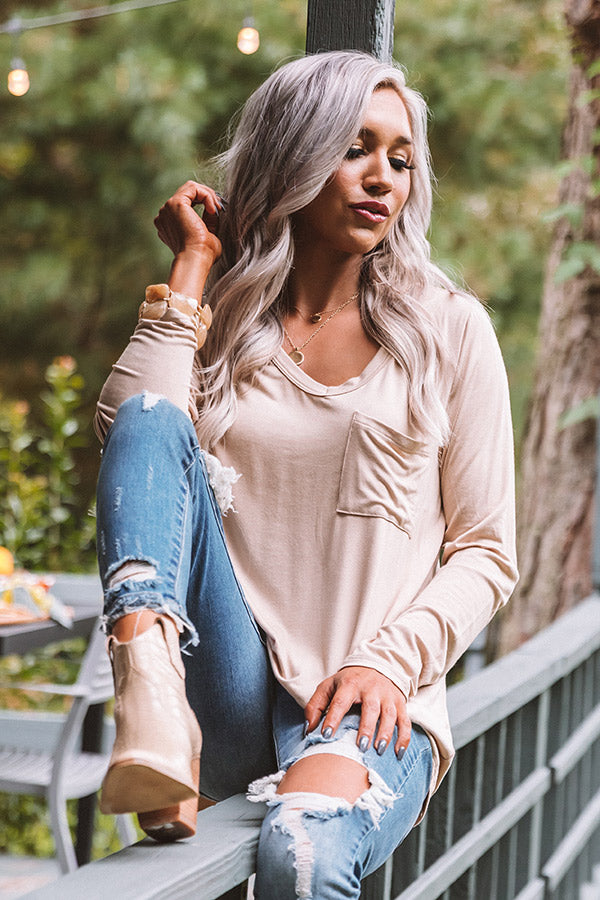Aspen Hideaway Shift Top In Iced Latte