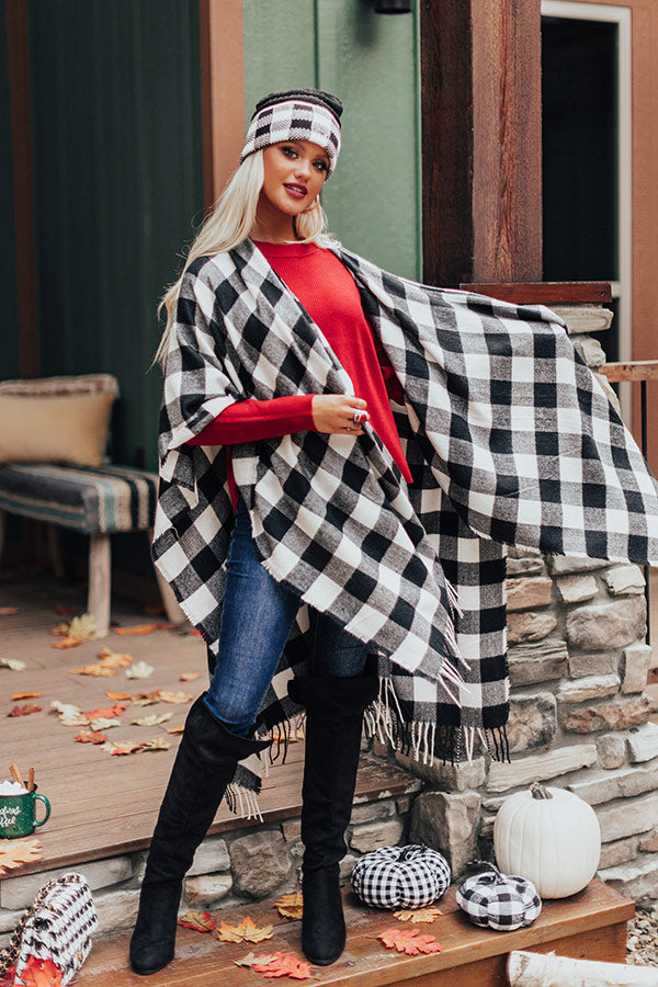 Autumn Rush Buffalo Check Poncho In Black