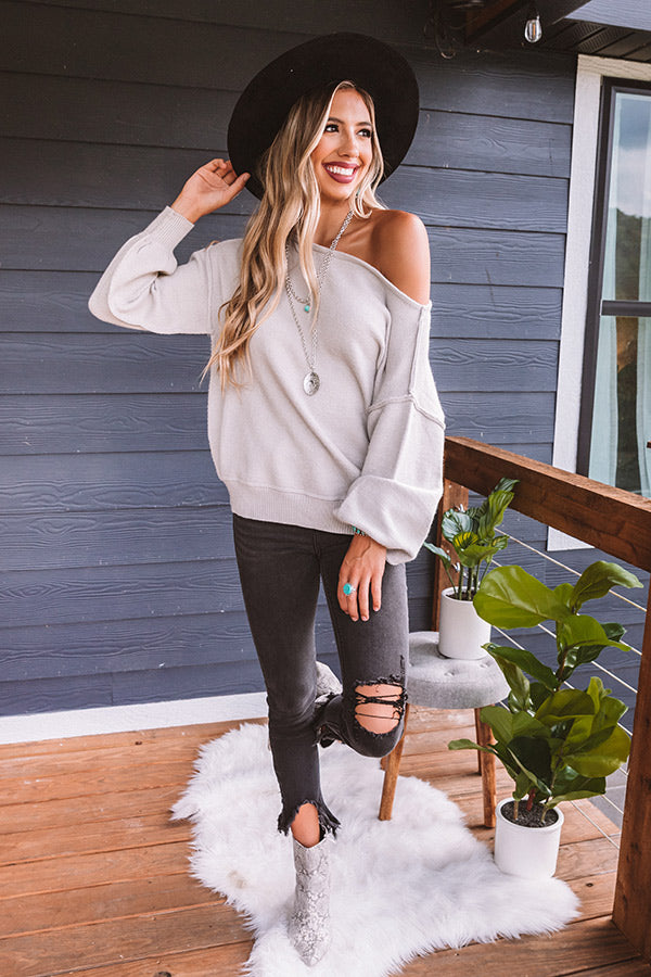 Cabin Vacay Sweater In Grey