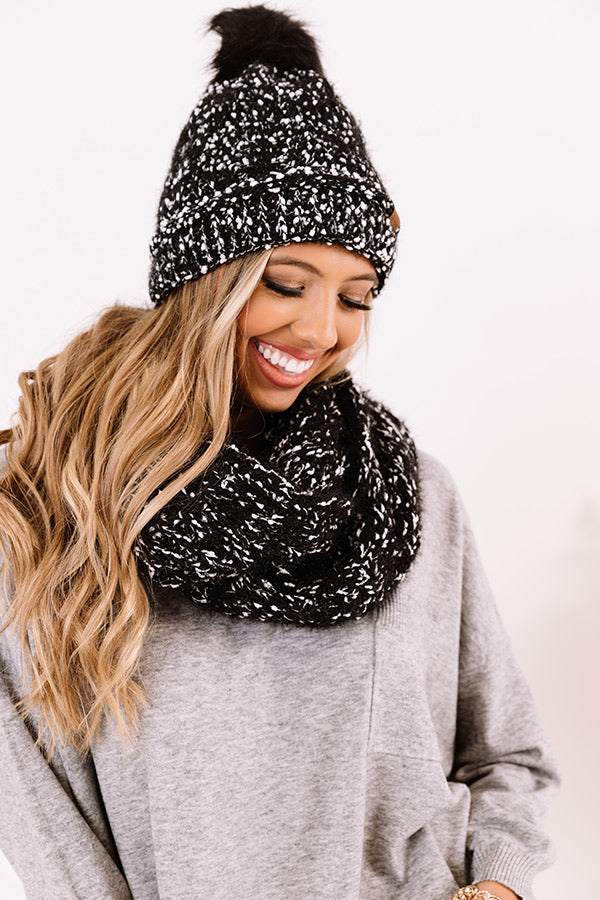 Full Of Warmth Popcorn Knit Infinity Scarf in Black