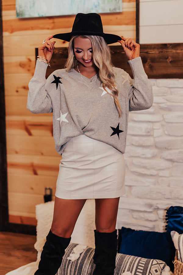 Sippin' Under The Stars Sweater In Grey