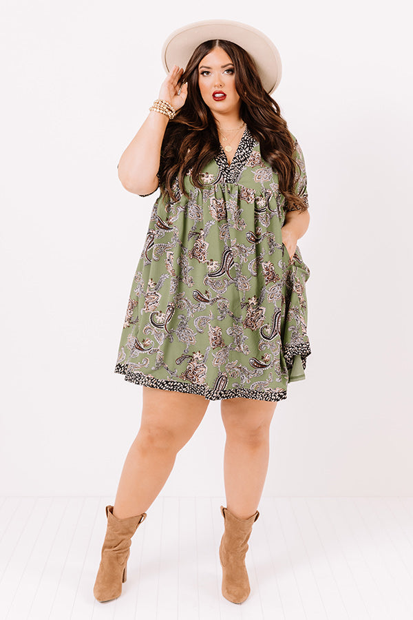 Serene Stay Paisley Babydoll Dress In Olive