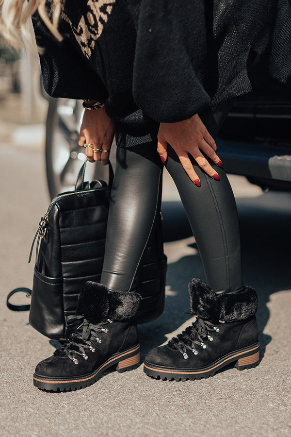 Favor The Cold Fur Lined Boot In Black