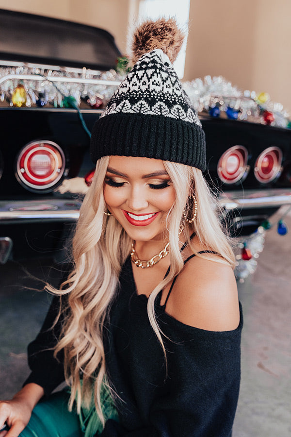 Snowy Dawn Beanie In Black