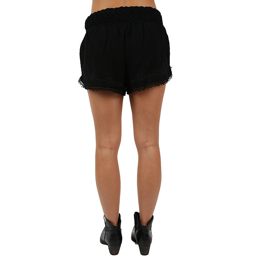 Tailgating Pretty Shorts Black