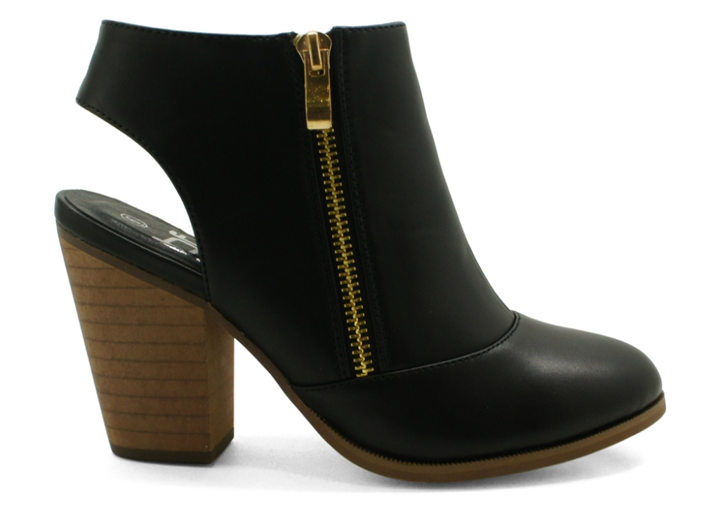 Girl's Getaway Bootie in Black