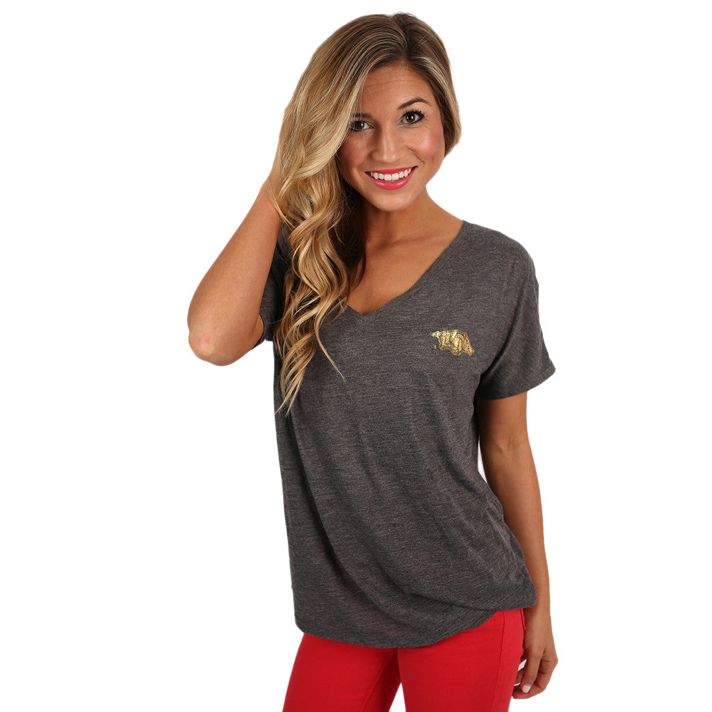 Flowy Simple Tee With Gold Razorback in Charcoal